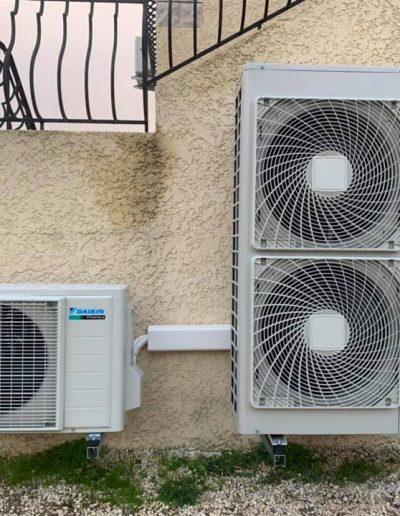 Installation d'une pompe à chaleur Daikin altherma hautes températures en remplacement d'une chaudière Gaz et d'un ballon thermodynamique Daikin. Chantier réalisé sur Bagard.