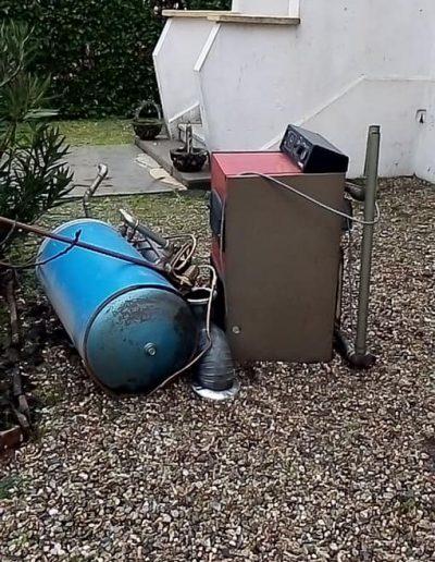 Installation d'une pompe à chaleur DAIKIN altherma hautes températures avec production d'eau chaude sanitaire en remplacement de chaudière fuel . Chantier réalisé sur Salindres